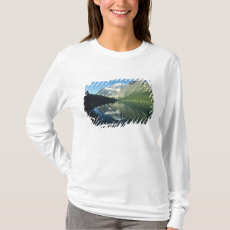 Mt Edith Cavell in Cavell Lake, Jasper National T-Shirt
