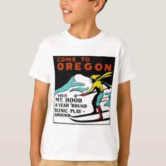 MT. HOOD OREGON - VINTAGE TRAVEL T-Shirt