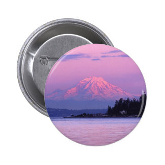 Mt. Rainier at Sunset, Washington State. 6 Cm Round Badge