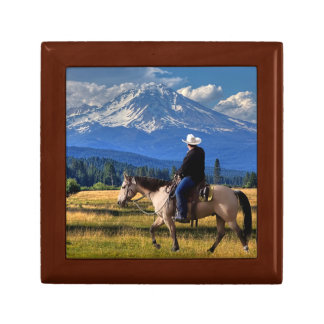 MT SHASTA WITH HORSE AND RIDER GIFT BOX
