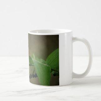 Mug-Bird and Berries