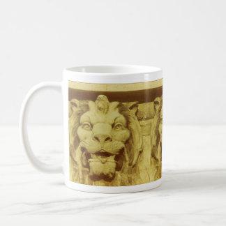 Mug - Lion heads