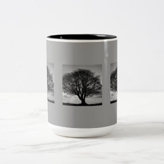 MUG TREE BLACK AND WHITE