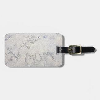 Mum on the beach stick woman label bag tag