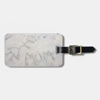 Mum on the beach stick woman label luggage tag