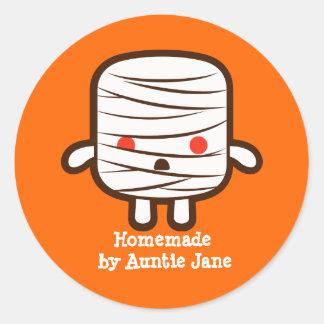 Mummy marshmallow classic round sticker