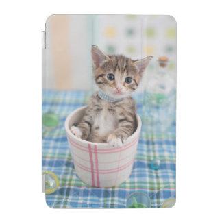 Munchkin Kitten With Pretty Ribbon iPad Mini Cover
