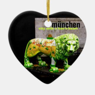 Munich Street Art Lion Germany Souvenir X'mas Gift Ceramic Heart Decoration