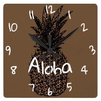 mural clock square Pineapple