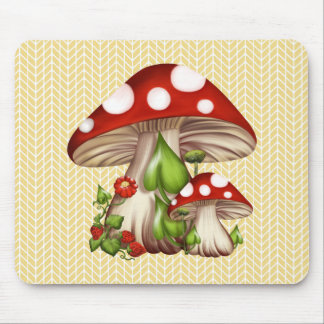 MUSHROOMS AND STRAWBERRIES MOUSE MAT