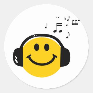 Music loving smiley round sticker