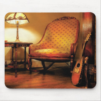 Music - The chair and the lute Mouse Pad