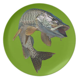 Musky 4 dinner plate