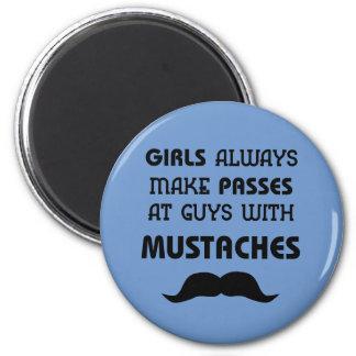 Mustache 6 Cm Round Magnet