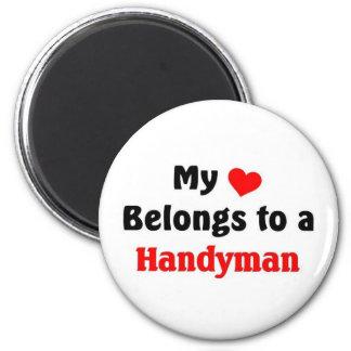 My heart belongs to a Handyman 6 Cm Round Magnet