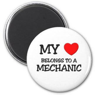 My Heart Belongs To A MECHANIC 6 Cm Round Magnet