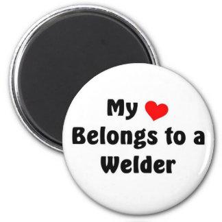 My heart belongs to a Welder 6 Cm Round Magnet
