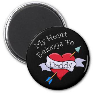 My Heart Belongs to Daddy Tat Heart 6 Cm Round Magnet