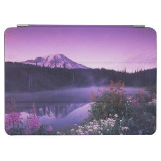 N.A., USA, Washington, Mt. Rainier National iPad Air Cover