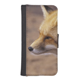 NA, Canada. Red Fox iPhone SE/5/5s Wallet Case