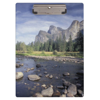 NA, USA, California, Yosemite NP, Valley view Clipboard