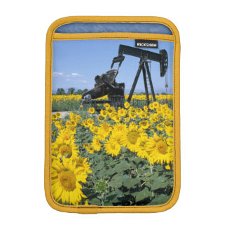 Na, USA, Colorado, Sunflowers, Oil Derrick iPad Mini Sleeve