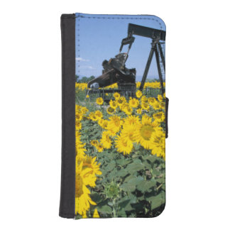 Na, USA, Colorado, Sunflowers, Oil Derrick iPhone SE/5/5s Wallet Case