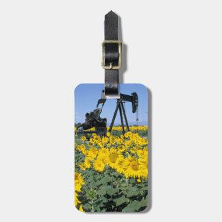 Na, USA, Colorado, Sunflowers, Oil Derrick Luggage Tag
