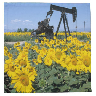 Na, USA, Colorado, Sunflowers, Oil Derrick Napkin