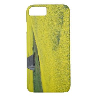 NA, USA, Idaho, near Potlatch, Wooden barn and iPhone 8/7 Case