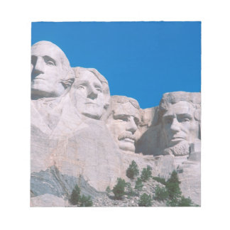 NA, USA, SD, Mount Rushmore. Notepad