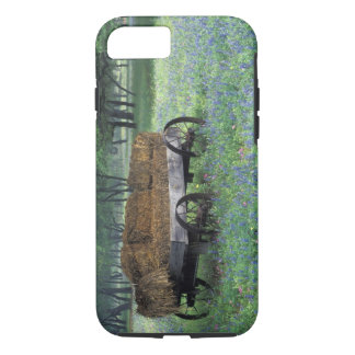 NA, USA, Texas, east of Devine, Old wagon in iPhone 8/7 Case