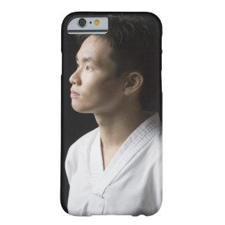 Nahaufnahme eines jungen erwägenden Mannes Barely There iPhone 6 Case