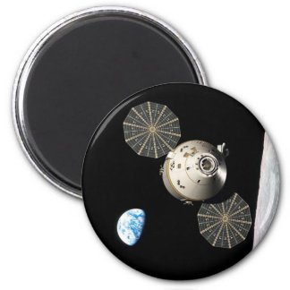 NASA Orion in Lunar Orbit 6 Cm Round Magnet