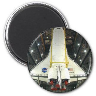 NASA SPACE SHUTTLE ATLANTIS PROGRAM COMMEMORATIVE 6 CM ROUND MAGNET