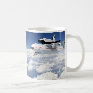 NASA SPACE SHUTTLE ON B-747 COFFEE MUG