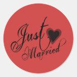 Naughy Grunge Script - Just Married Heart Black Round Sticker