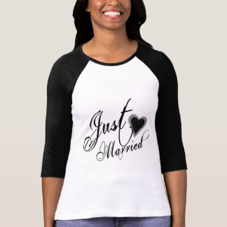 Naughy Grunge Script - Just Married Heart Black T-Shirt