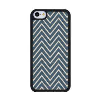 Navy Blue and White Chevron Pattern 2 Carved® Maple iPhone 5C Slim Case