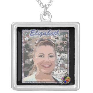 Necklace: Elizabeth Medina-Galleriaofart.com