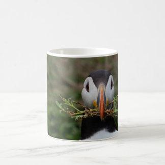 Nest Builder Puffin Basic White Mug