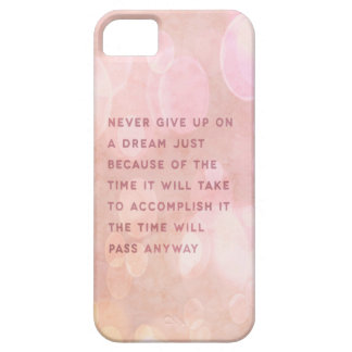 Never give up quote case case for the iPhone 5