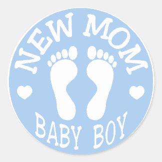 NEW BABY BOY MOM ROUND STICKER