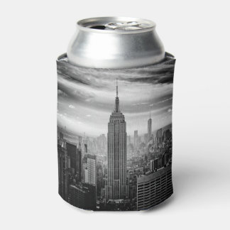 New York City skyline black and white Can Cooler