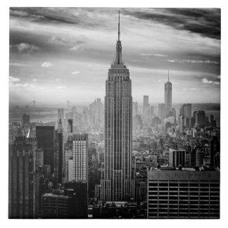 New York City skyline black and white Tile