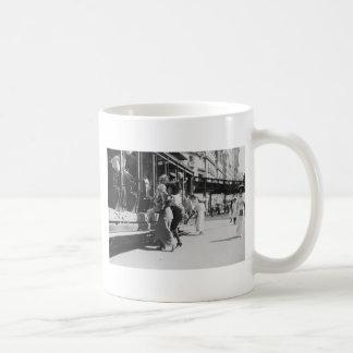 New York City Streetcar 1913 Coffee Mug