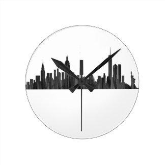 NEW YORK, NY SKYLINE PAINTBRUSH - ROUND CLOCK