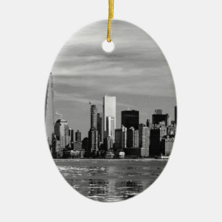 New York Silhouette Ceramic Oval Decoration