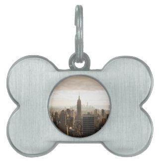 New York Skyline - dusk - grey Pet Tag