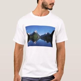 New Zealand, Mitre Peak, Milford Sound, T-Shirt